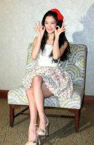 亚洲第一美Clara扮可爱穿短裙秀长腿