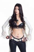 韩国模特刘承玉拍写真 小腹露性感纹身