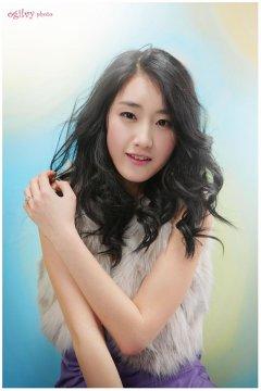 七彩梦幻般的韩国模特崔之香写真