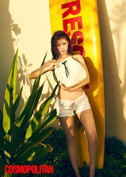 韩女星全孝盛泳衣秀豪乳 裸上身用包遮