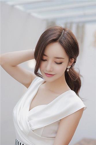 韩国最美人气美女(孙允珠 , Son Yoon Joo) - 超气质新浪微博网拍写真