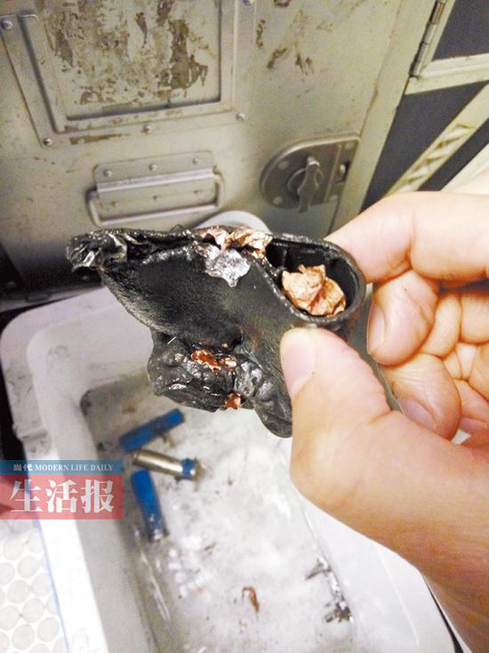 乘客携充电宝上飞机 关闭状态下冒烟起火