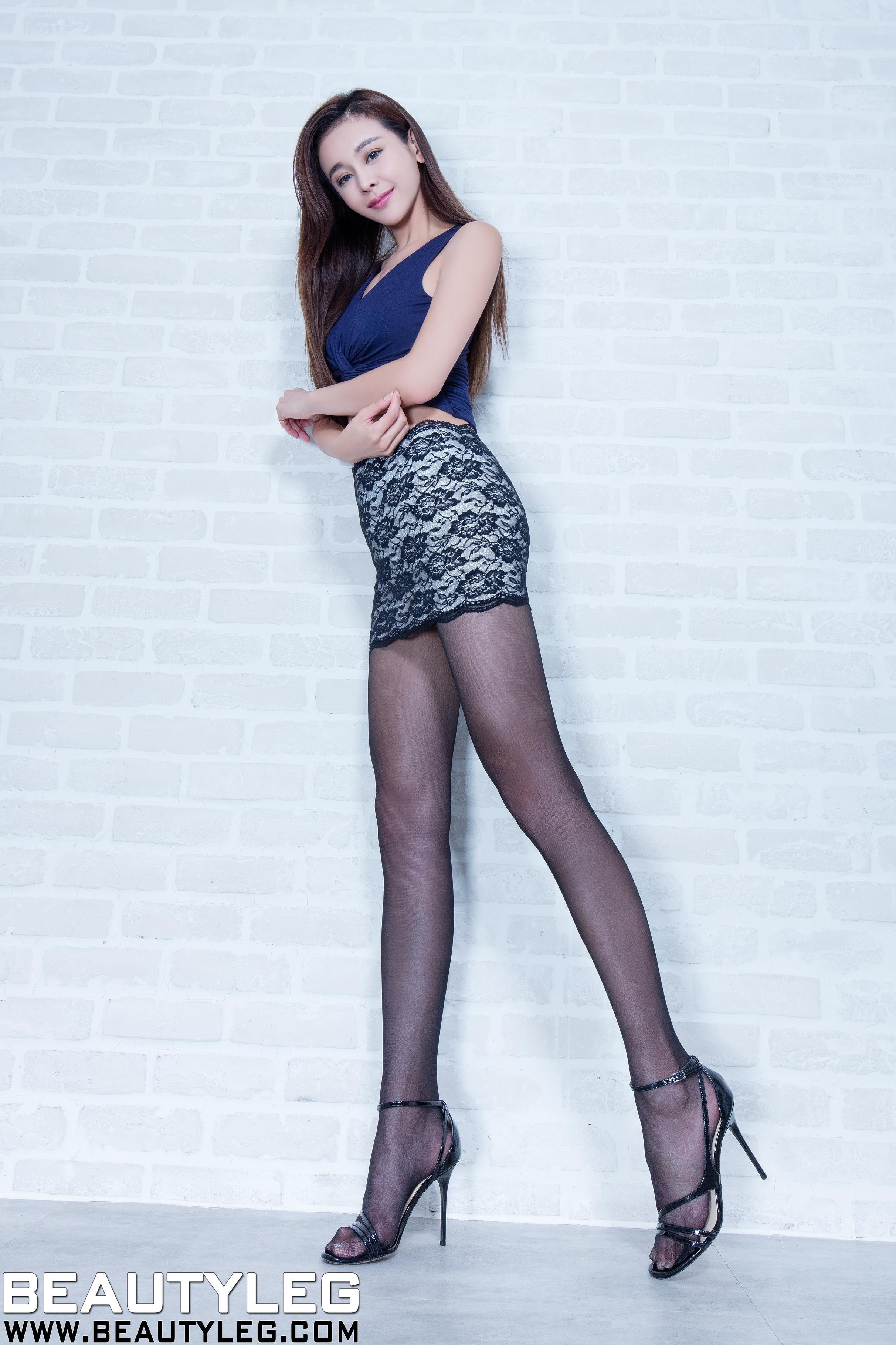 [Beautyleg美腿写真]No.1564 黑色短裙美女 Dennise 黑色丝袜美腿性感私房写真集