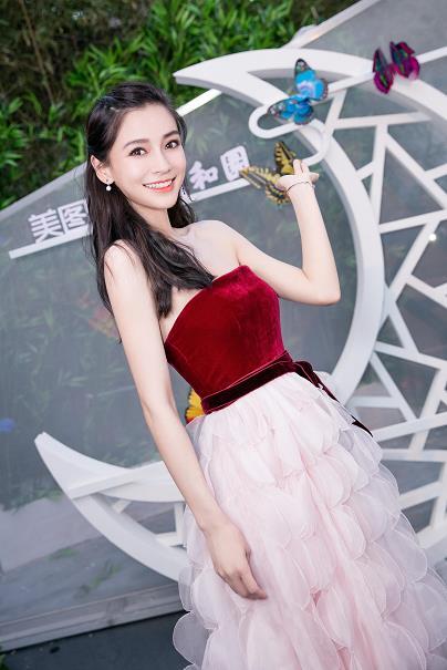 angelababy抹胸裙展古典韵味 身材升级有料
