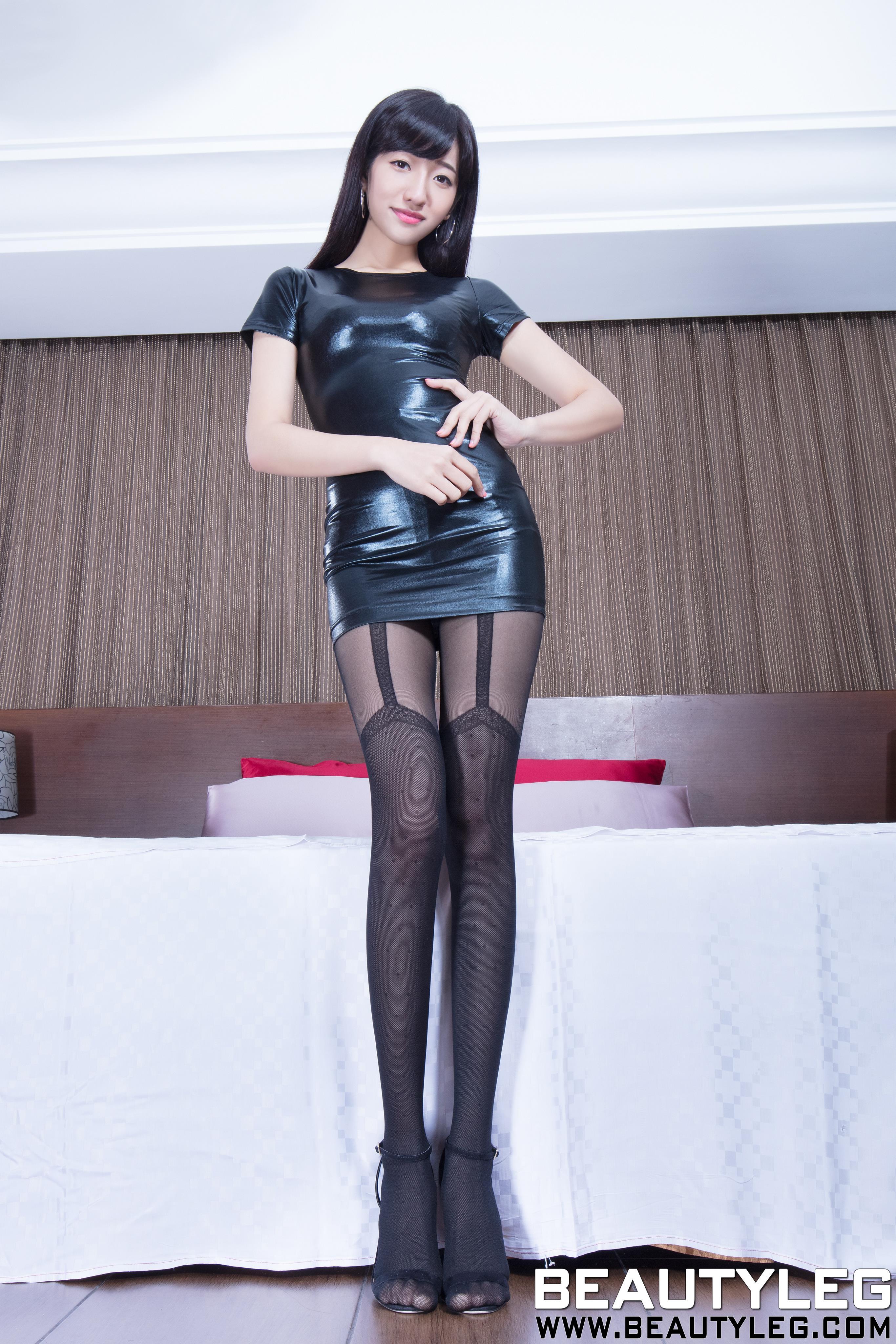 [beautyleg美腿写真]No.1686 Celia 黑色紧身漆皮连衣裙加黑色丝袜美腿性感私房写真集