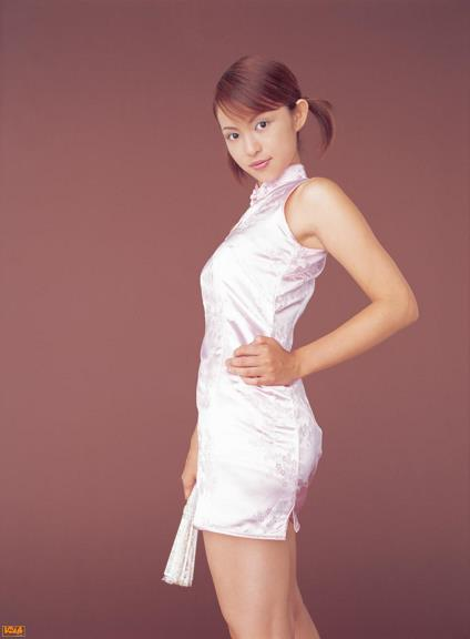 [BOMB.tv]写真2004年 日本赛车皇后 森下千里 Morishita Chisato 芭蕾舞裙与粉色旗袍及