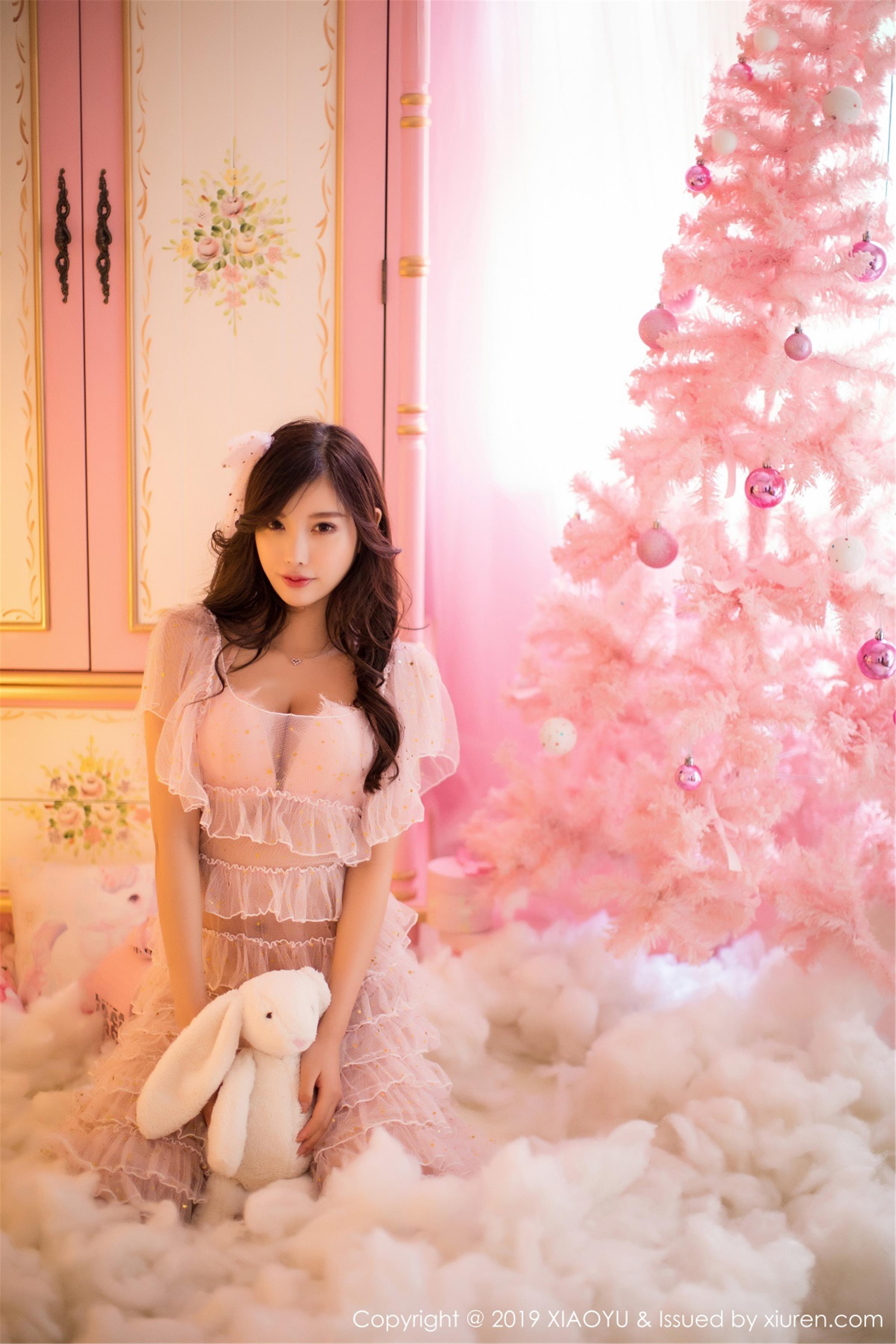 [XIAOYU画语界]YU20190426VOL0059 杨晨晨sugar 粉色透视连衣裙与白色塑身内衣性感私房写真集