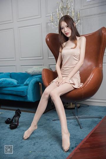 [SSA丝社]NO.005 高端酒店 琪琪 粉色抹胸连衣裙加肉丝美腿性感私房写真集